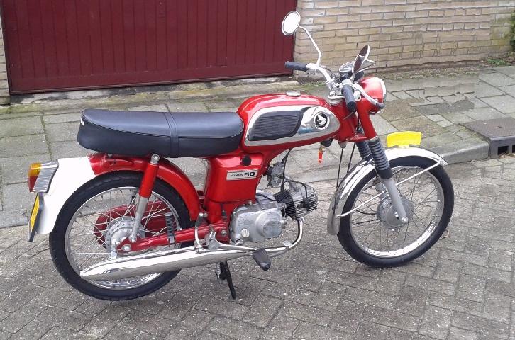 Honda bromfietsen - mopeds. HONDA CD50